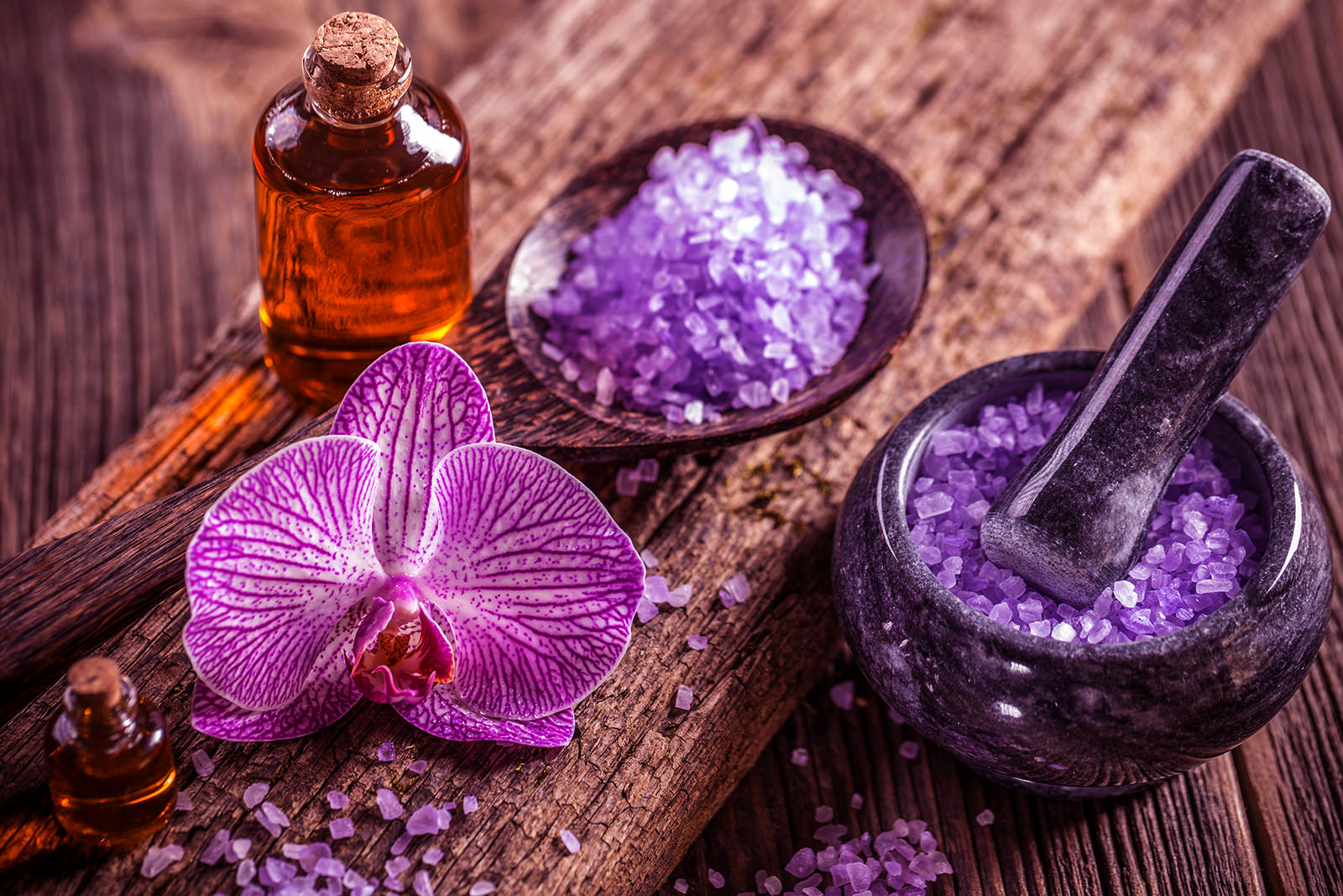 Beauty treatment concept with bath salt and essencial oil